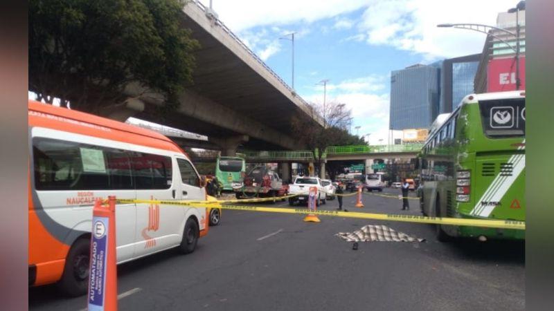 Ayudante de camión pierde la vida luego de que el chofer jugara carreras en Naucalpan
