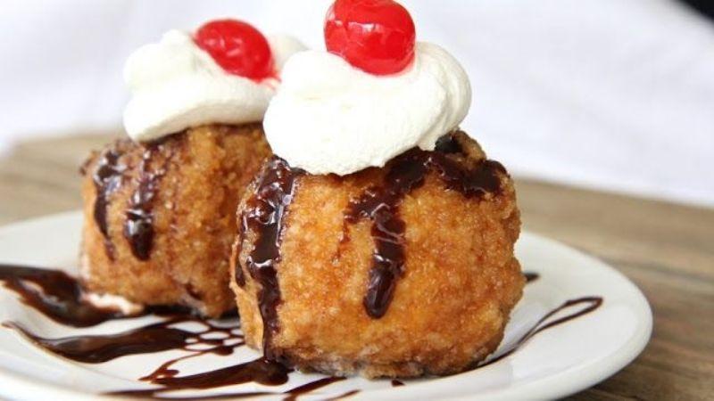¿Un postrecito? El helado frito te encantará de principio a fin por su rico y dulce sabor