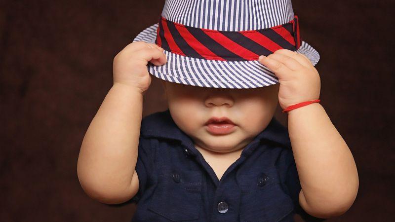 ¡Ten cuidado! El color de las evacuaciones de tu bebé podría indicarte que algo va mal con su salud
