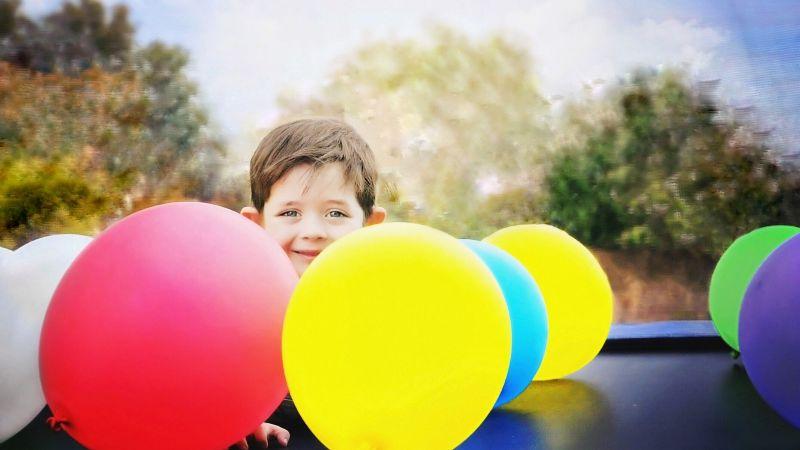 ¿Tu hijo hace muchas rabietas? La técnica del globo podría ayudarlo a relajarse