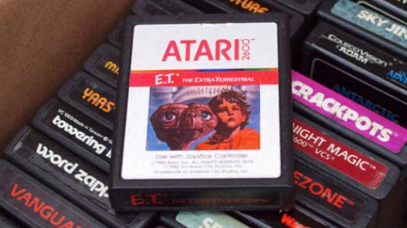 'E.T. the Extra-Terrestrial': El peor videojuego de la historia que es todo un 'mito'