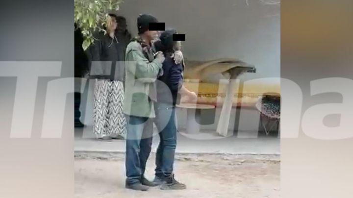 VIDEO: Momento exacto en el que detienen a sujeto armado con una rehén en el Campo 30