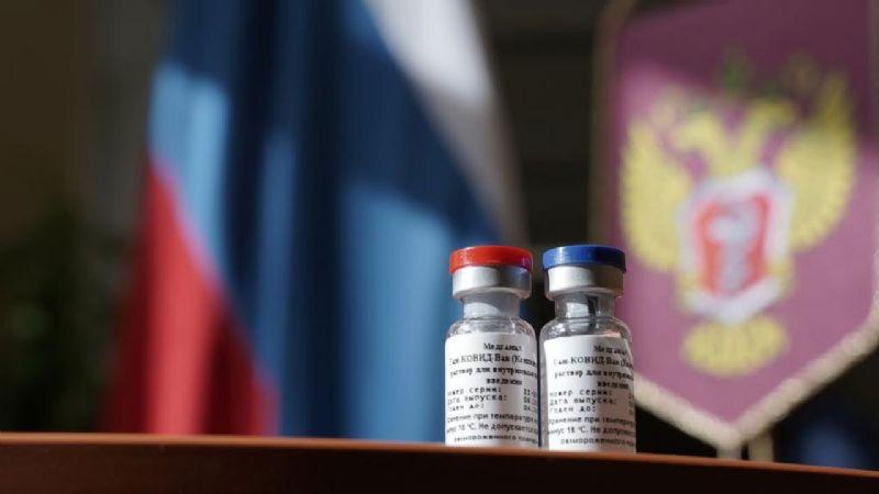 Rusia presume efectividad del 100% de su segunda vacuna contra Covid