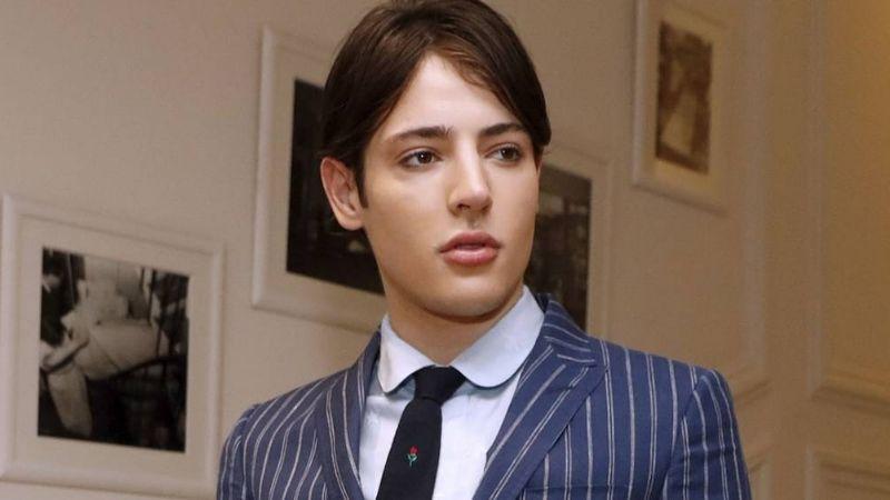 Hijo de famosa modelo muere a los 24 años tras una sobredosis accidental