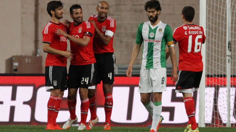 El COVID-19 'golea' al Benfica; con 17 positivos pide parar dos semanas