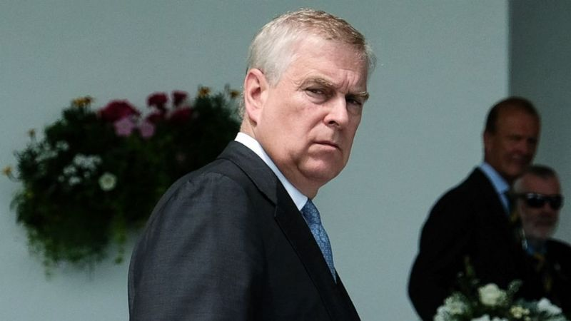 Equipo del Príncipe Andrés del Reino Unido solicitó ayuda de un troll para desacreditar a víctima