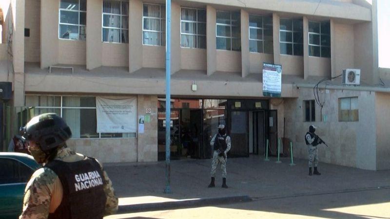 Navojoa: Sujetos armados asaltan IMSS y se roban siete tanques de oxígeno