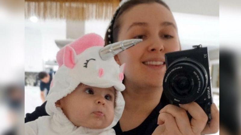 """Kenia Ontiveros, esposa de Larry Hernández, presume que su bebé ya dice """"mamá"""""""
