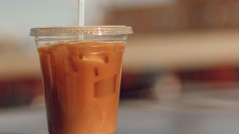 'Cold brew' de leche de coco: La bebida que ideal para disfrutar de una tarde de películas