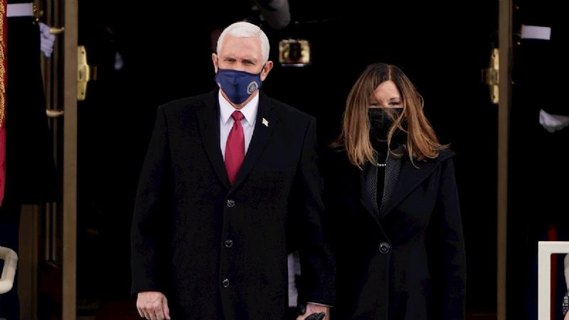 Elogian en redes sociales a Mike Pence por asistir a toma de protesta de Joe Biden