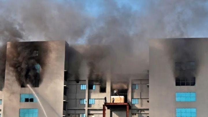 AstraZeneca: Incendio en la mayor fábrica de vacunas en la India amenaza su producción