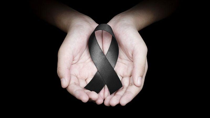 El moño negro, lazo o crespón: ¿Es correcto utilizarlo para expresar luto?