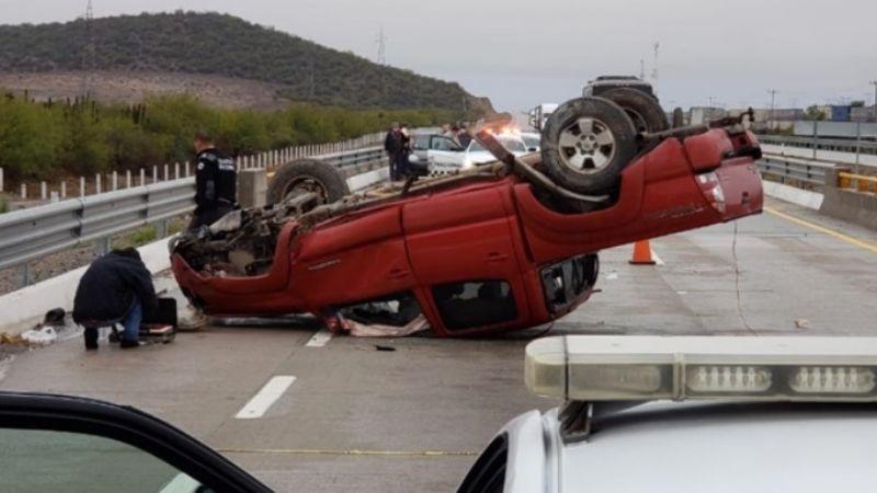 Una persona resulta lesionada tras volcar en la carretera Empalme-Obregón