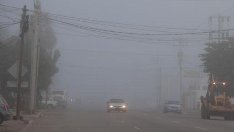 Ciudad Obregón: Densa neblina se manifiesta en las calles
