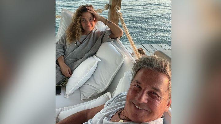Ricardo Montaner presume su amor con Marlene Rodríguez desde su luna de miel en la playa