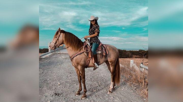 VIDEO: Zarelea Figueroa mantiene vivo a Joan Sebastian con 'Caballito de Otate'