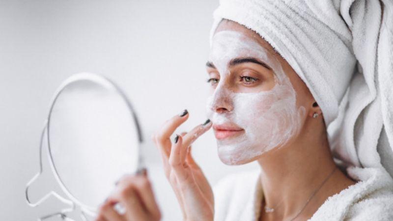 ¡Consiéntete! Usa tus mascarillas de 'skincare' a esta hora del día y disfruta de todos sus beneficios