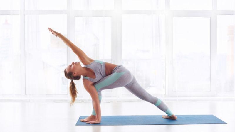 ¿Es la cura de todos los males? Descubre los beneficios de hacer yoga en pandemia