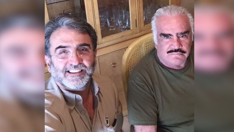 Tras defender a Vicente Fernández, 'La Oveja Negra' le confirma su amor al llamarlo héroe