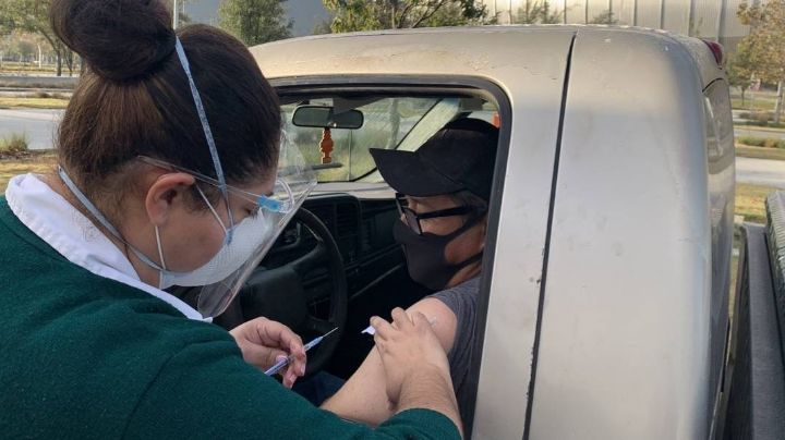 Nuevo León: Tigres y Rayados se suman a la campaña de vacunas contra la Influenza del IMSS