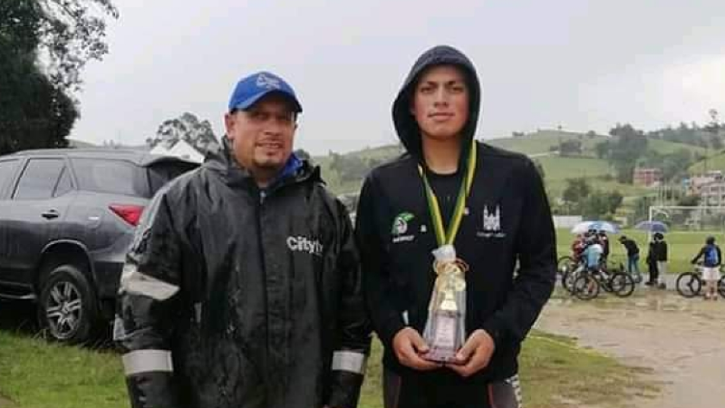 Joven promesa del ciclismo internacional muere atropellado por autobús en Colombia