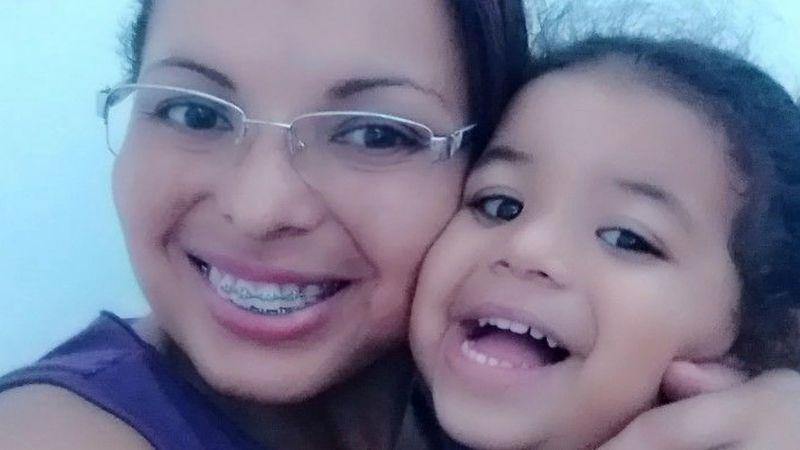 Brutal asesinato: Madre mutila con unas tijeras a su hija de 5 años y se come su lengua