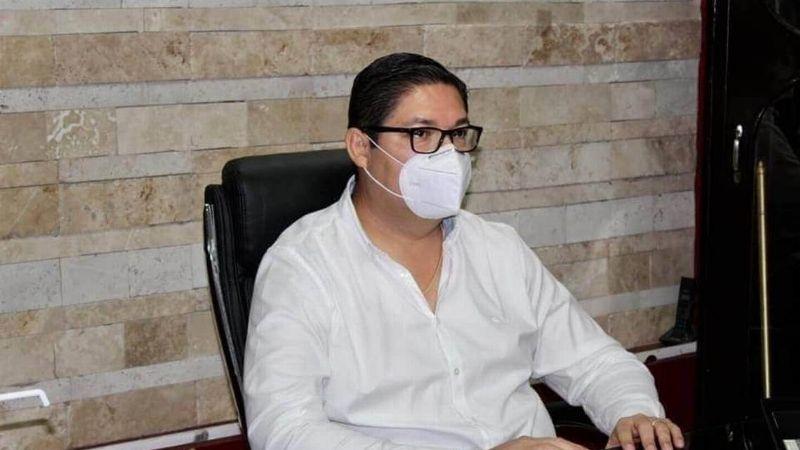 """""""¿Qué tiene de malo?"""": Alcalde de Escuinapa se excusa por hacer fiesta después vacunarse de Covid-19"""