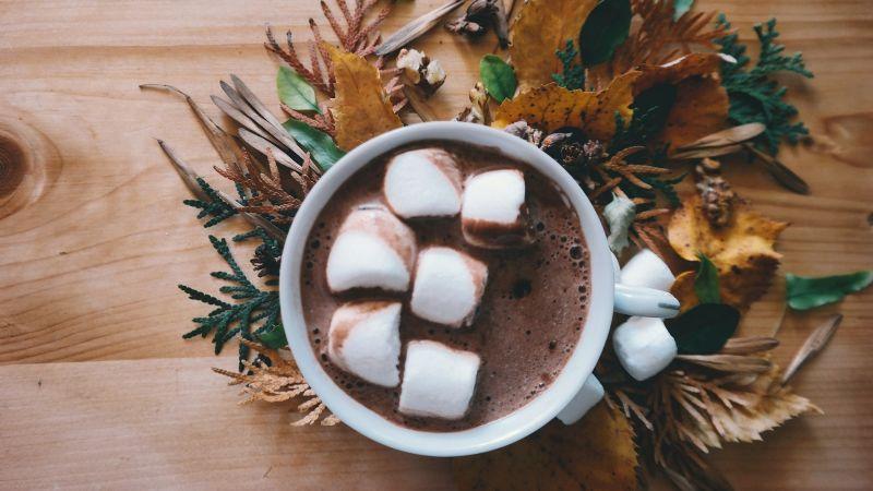 ¡Que no te dé frío! Disfruta de esta deliciosa bebida caliente de chocolate con vino tinto