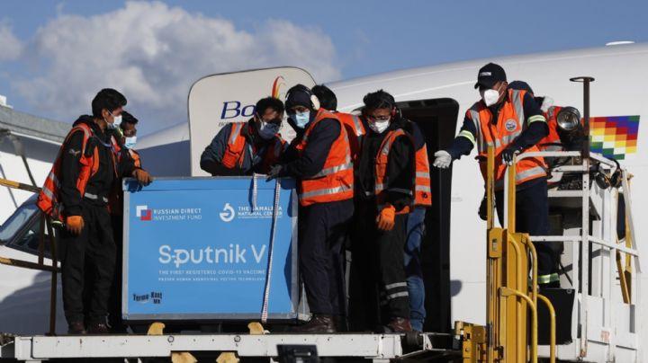 Llegan a Bolivia las primeras 20 mil vacunas contra Covid-19 de Sputnik V