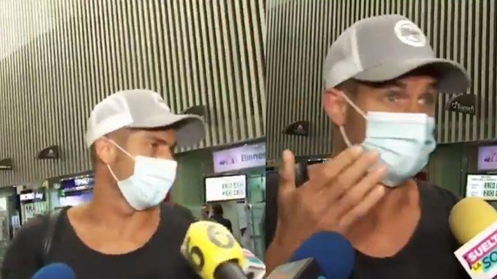 ¡A la Eduardo Yáñez! Actor de Televisa estalla contra la prensa en el aeropuerto
