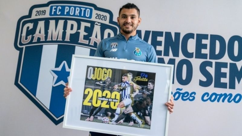 El 'Tecatito' Corona es elegido como el Mejor Jugador de Portugal en 2020