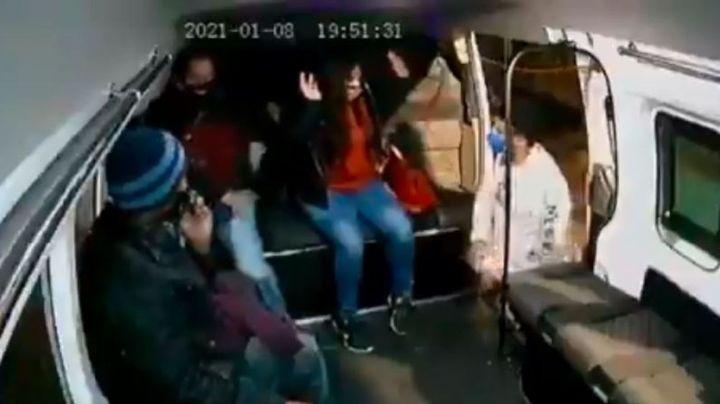 VIDEO: Ladrón de combi asalta a pasajeros; iba bien vestido y no se subió a la unidad
