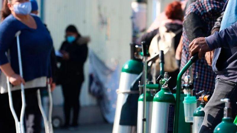 CDMX: Reportan saturación en los puntos de llenado de oxígeno gratis