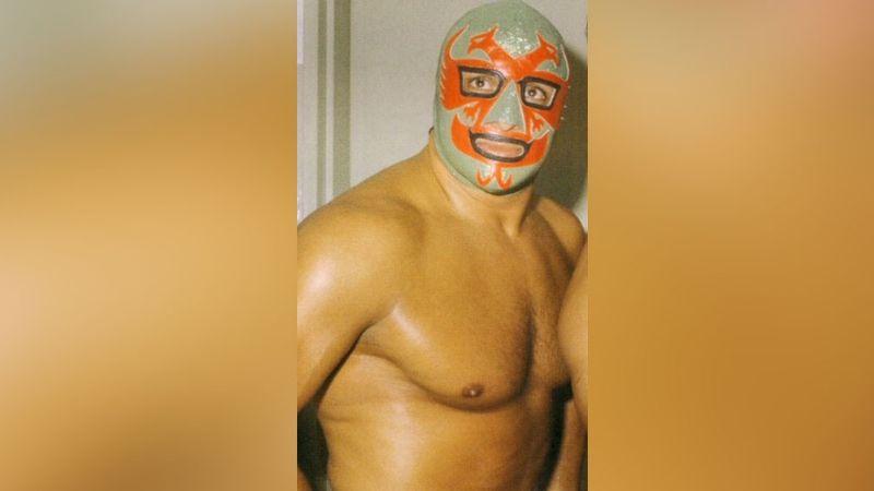 Idénticos: Así luce Dos Caras, el padre de Alberto del Río, sin máscara