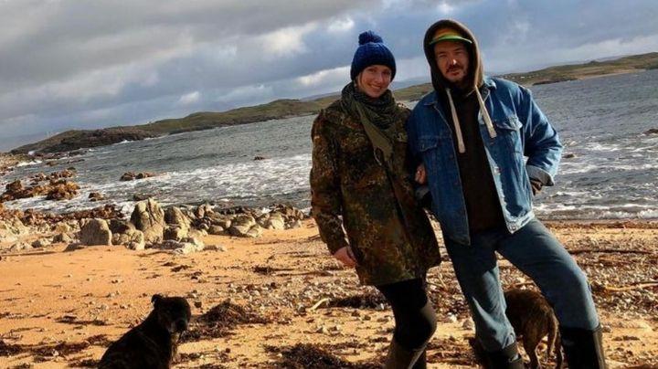 Ante la crisis sanitaria por el Covid-19, pareja huye a una isla solitaria para protegerse