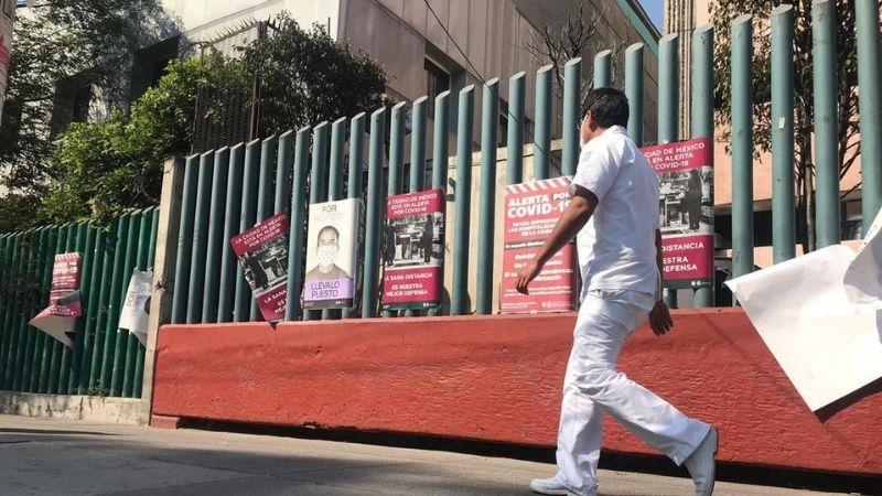 """""""Estamos en alerta"""": CDMX refuerza campaña contra Covid-19 en 'Hospital La Raza'"""