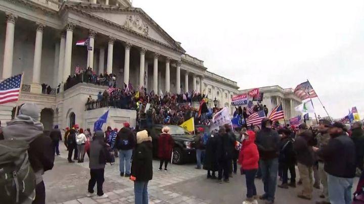 Simpatizantes de Trump toman el Capitolio y frenan ratificación de victoria de Joe Biden