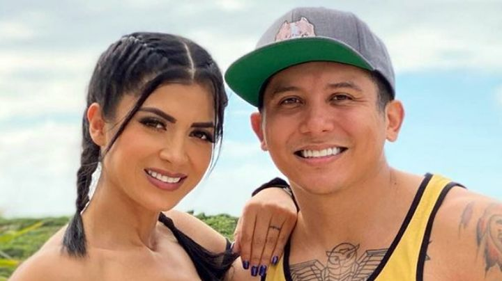 """Edwin Luna dedica románticas palabras a su esposa Kimberly Flores: """"Te amo"""""""
