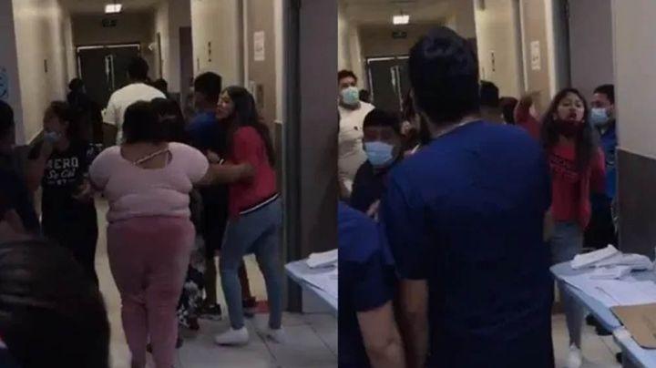 VIDEO: Médicos son agredidos por familiares que intentan sacar a uno de los suyos del hospital