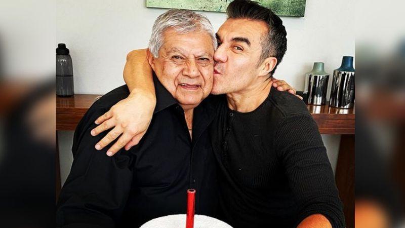 """Adrián Uribe habla sobre la devastadora muerte de su padre: """"Su cuerpo no respondió"""""""