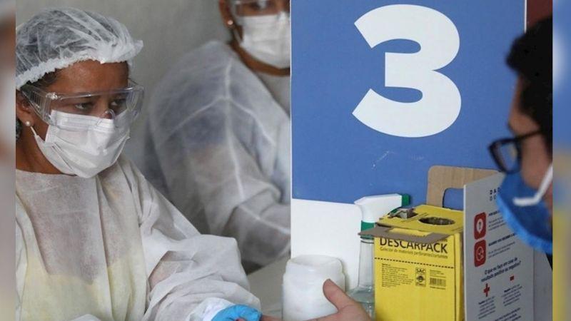 """Pese a vacunas contra Covid-19, OMS advierte que enero """"será un mes difícil"""""""