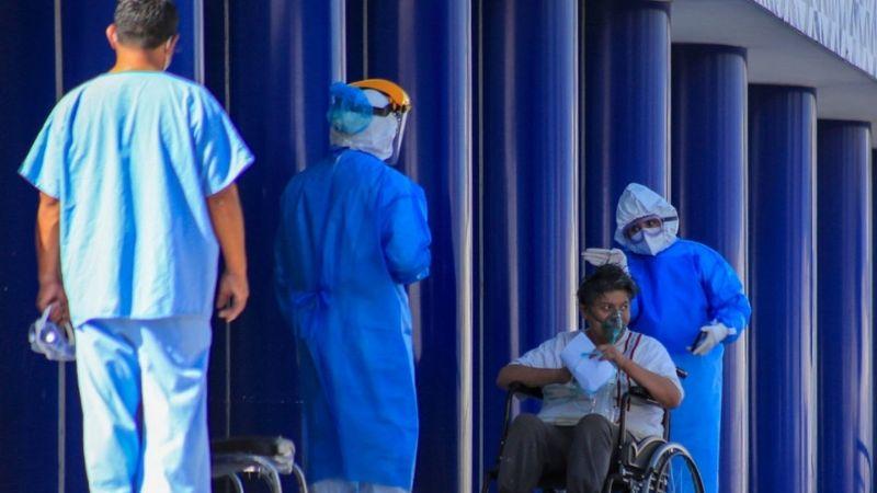 """""""El 3% no es suficiente"""": OPS exige a México elevar presupuesto a salud"""