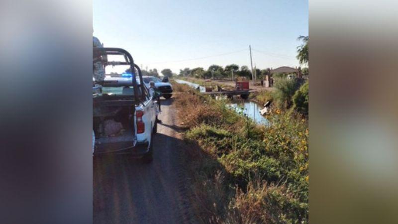Conductor de vehículo tipo razer pierde la vida tras caer a un canal de riego