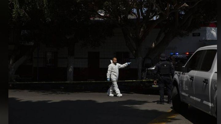 Terror en Tijuana: Con múltiples balazos, hallan el cuerpo de una mujer en el patio de su casa