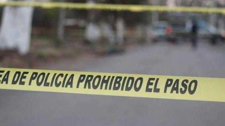 En plena carretera, abandonan 2 cuerpos con signos de tortura y heridas de arma de fuego