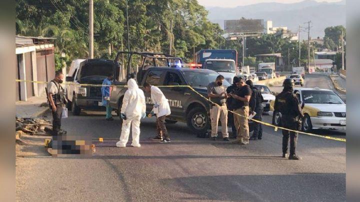 Movilización en Acapulco: Motociclista es asesinado a quemarropa mientras circulaba en carretera