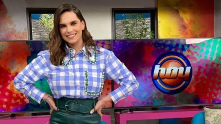 """Tania Rincón presume pierna en 'Hoy' con tremendo vestido y paraliza a Televisa: """"Eres un cuero"""""""
