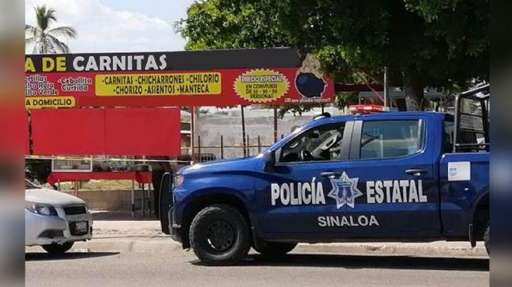 Policía estatal es asesinado a balazos mientras compraba carnitas en Culiacán