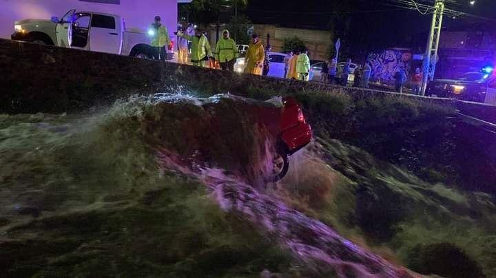 Tragedia en Querétaro: Confirman 4 decesos y 2 desaparecidos tras fuertes precipitaciones