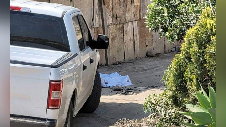 Tijuana: Con impactos de bala, anciano es localizado sin vida dentro de un domicilio